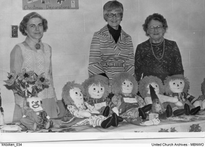 Margaret Mosher, Donelda Luckie, Else Smith at the Knox United (Kenora, Ontario) 1967 Christmas bazaar. UCArchives knoxken 034