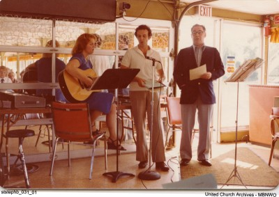 St. Stephen's Broadway (Winnipeg) held a service, Sept 7, 1980 on the Red River Riverboat. UCArchivesWpg ststephb 31
